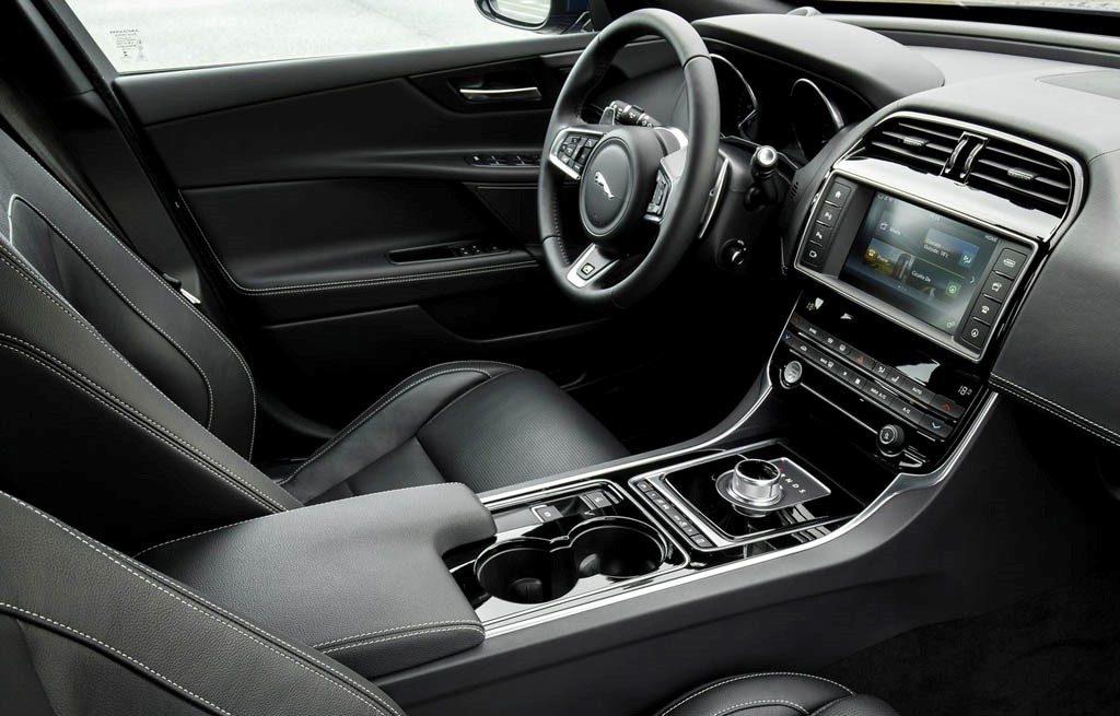 2017 Jaguar XE Roanoke