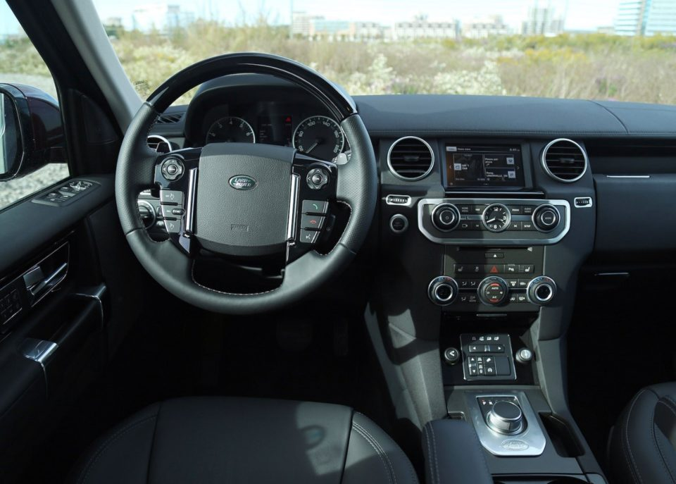 Discovering The Land Rover Lr4 Interior And